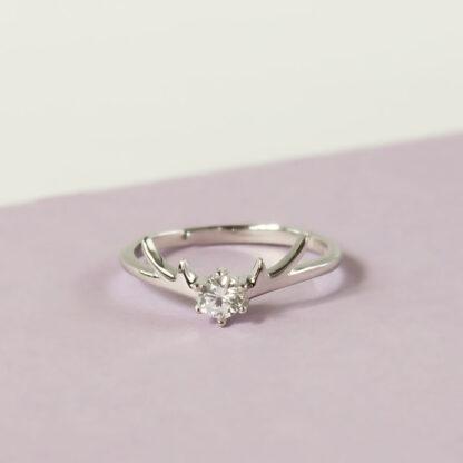 Inel reglabil de logodna din argint cu cristal Majestic
