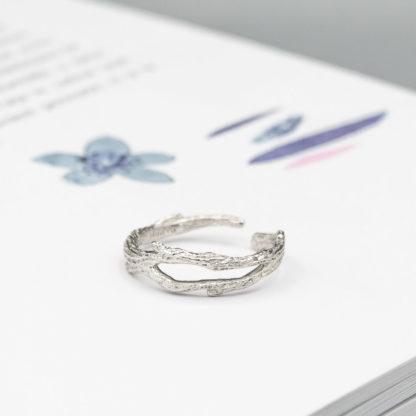 inel din argint texturat simplu Sakura