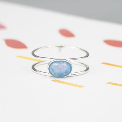 inel din argint cu opal albastru