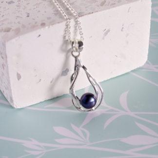 Lantisor din argint cu perla neagra Organic (7)