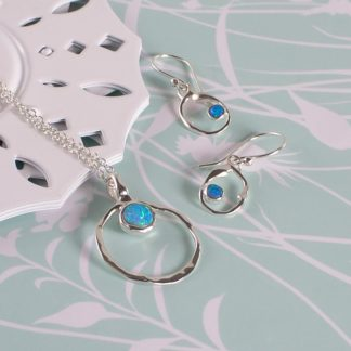 Set colier cu cercei cu opale Aqua