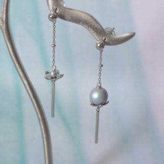 Cercei lungi din argint asimetrici, cu perlute, Misty Lotus