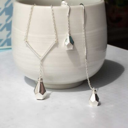 Set modern din argint, cercei asimetrici si lantisor, IDEA (11)