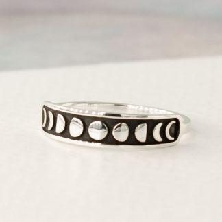 Inel handmade din argint oxidat cu detalii 3D - Fazele lunii