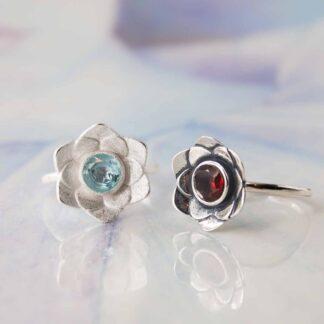 Inel de argint cu granat sau topaz, Floare de Nufar